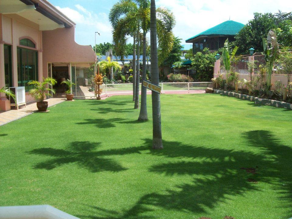 Villa Reina Resort Garden