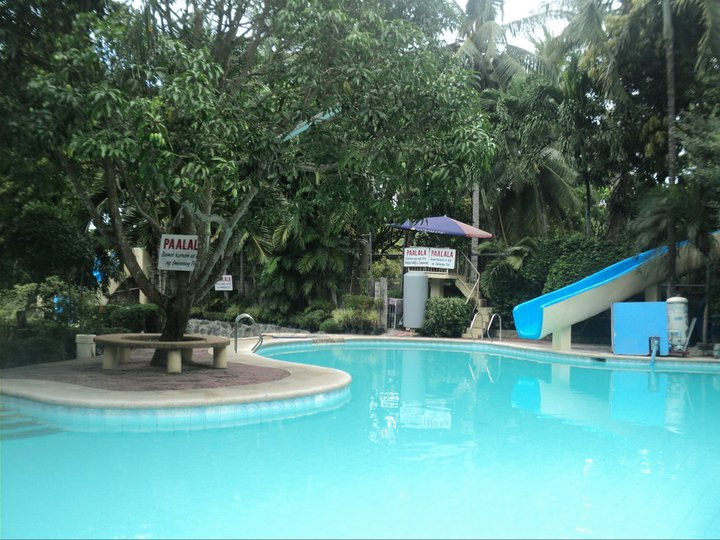 bon bon aqua resort bulacan swimming pool