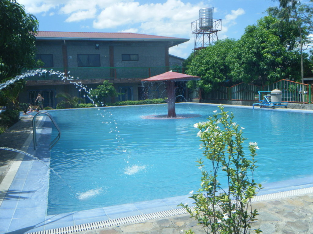 Casa Elum Pavilion and Resort Swimming Pool
